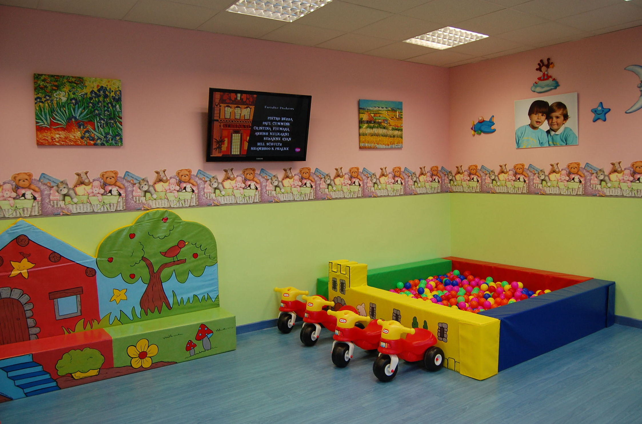 Foto 8 de Guarderías y Escuelas infantiles en Madrid | Peques School