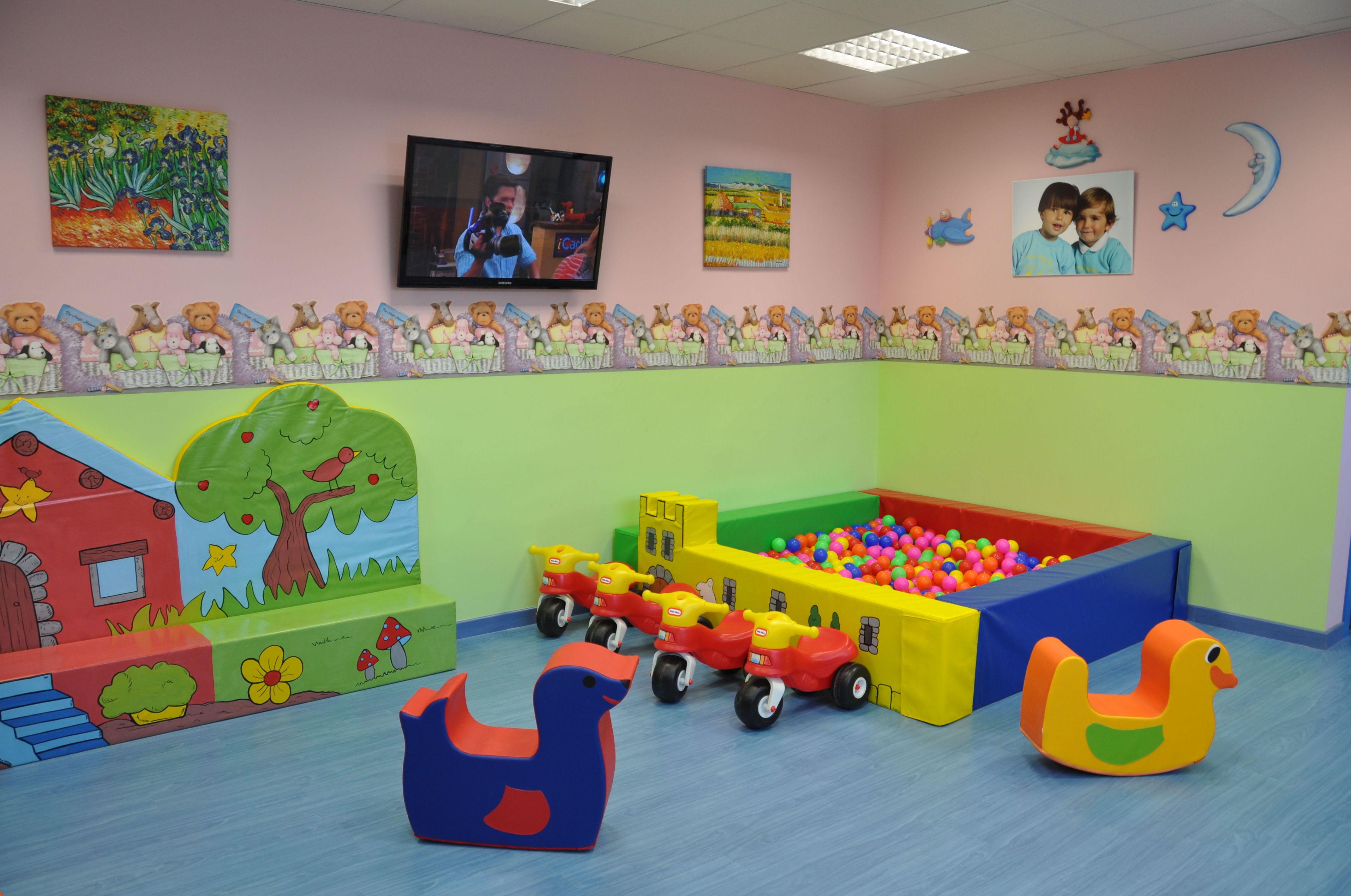 Foto 2 de Guarderías y Escuelas infantiles en Madrid | Peques School