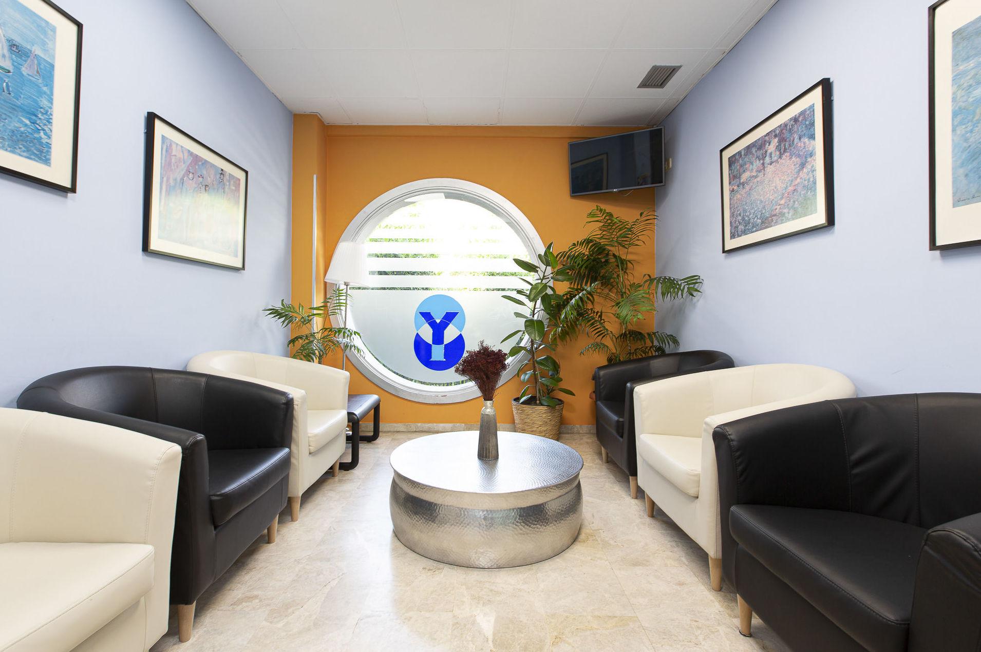 Foto 3 de Dentistas en  | Clínica Dental Dr. Yagüe