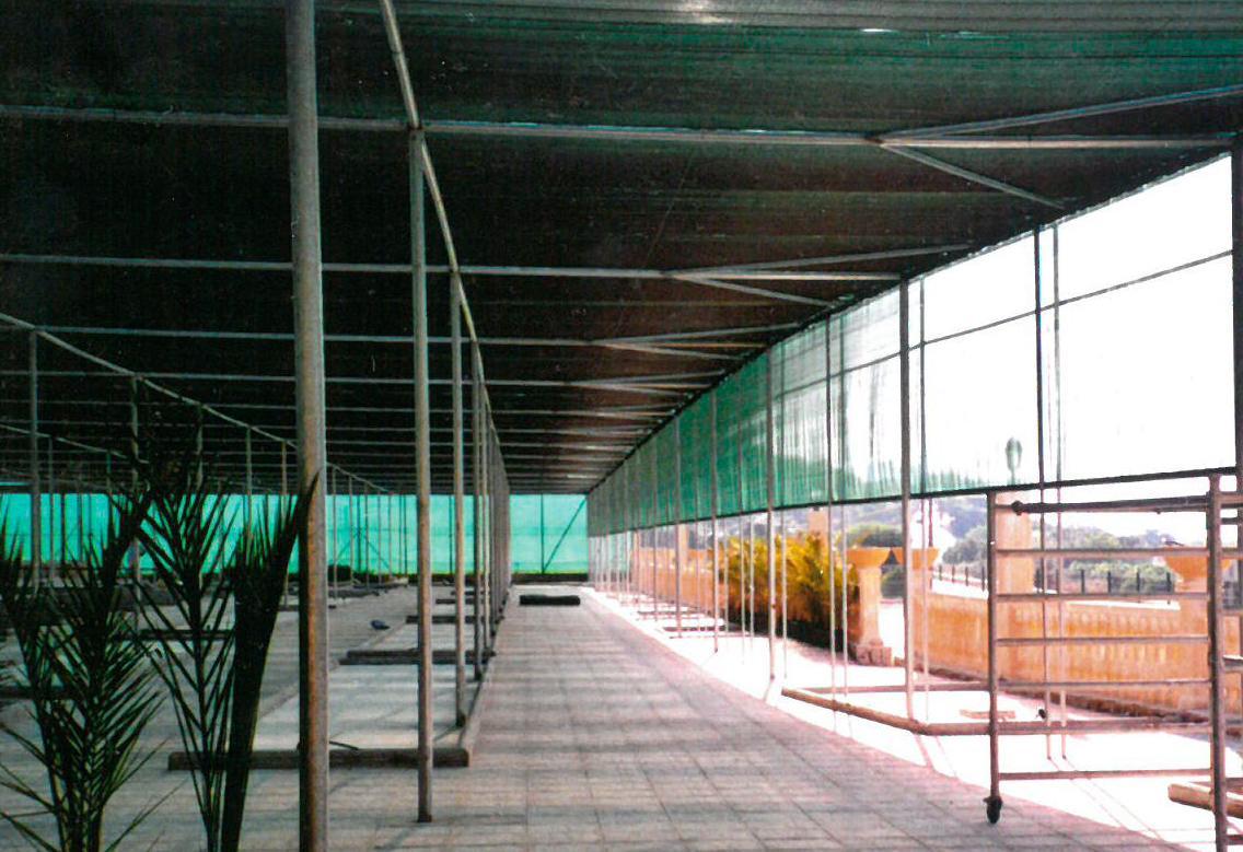 Interior Ombráculo con ventilación lateral