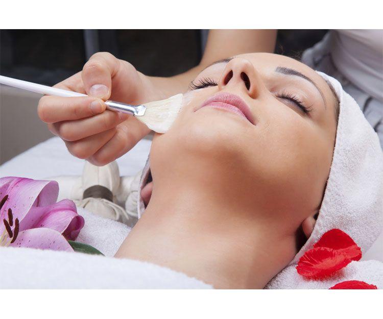 Rejuvenecimiento facial en Canyelles