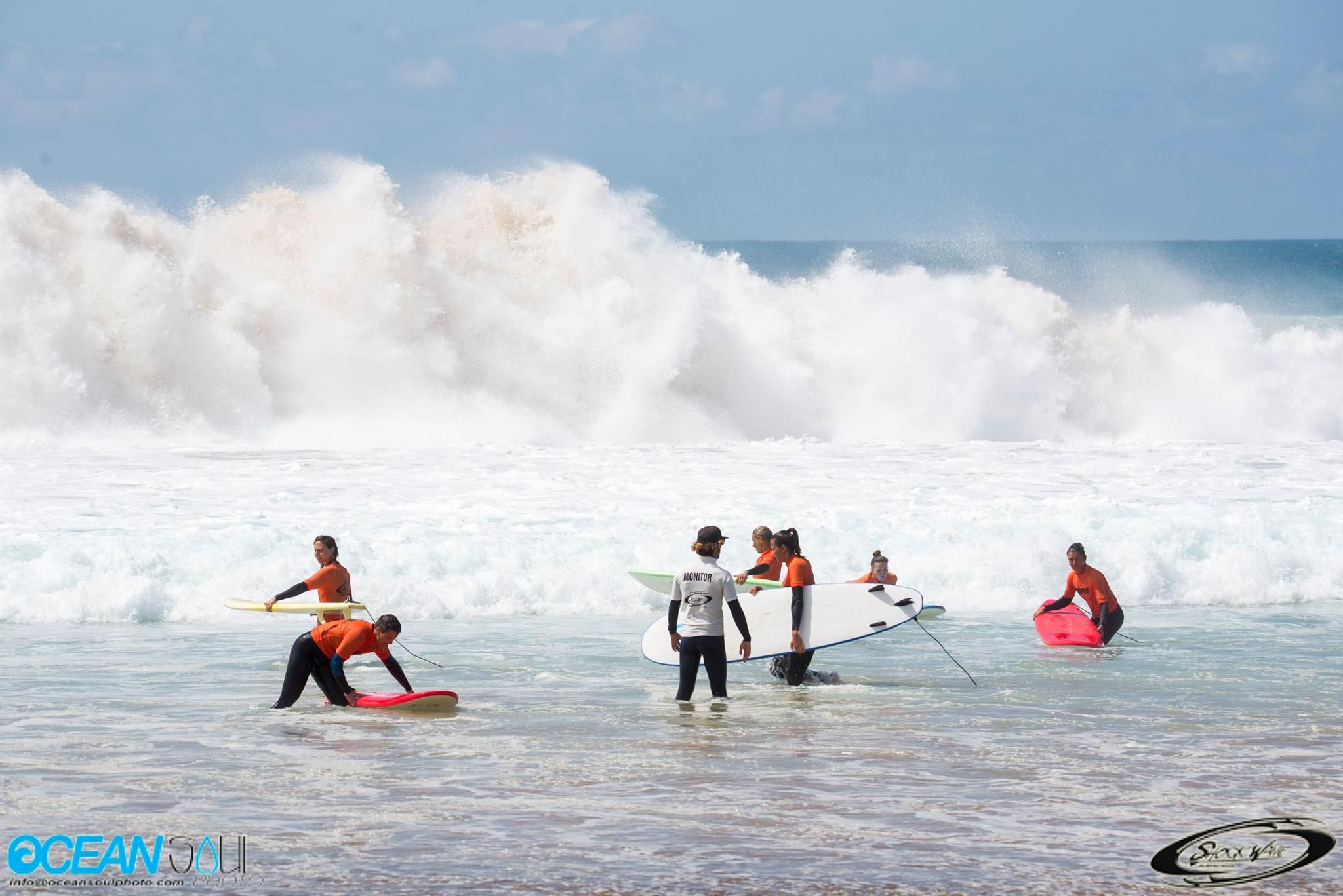 Surf lessons with small groups of students in El Cotillo
