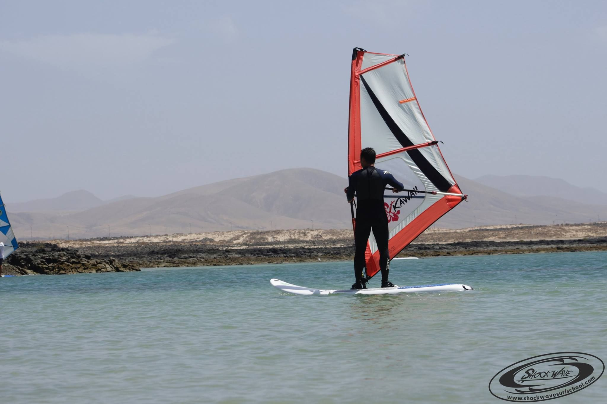 Qualified monitors for windsurfing courses in El Cotillo