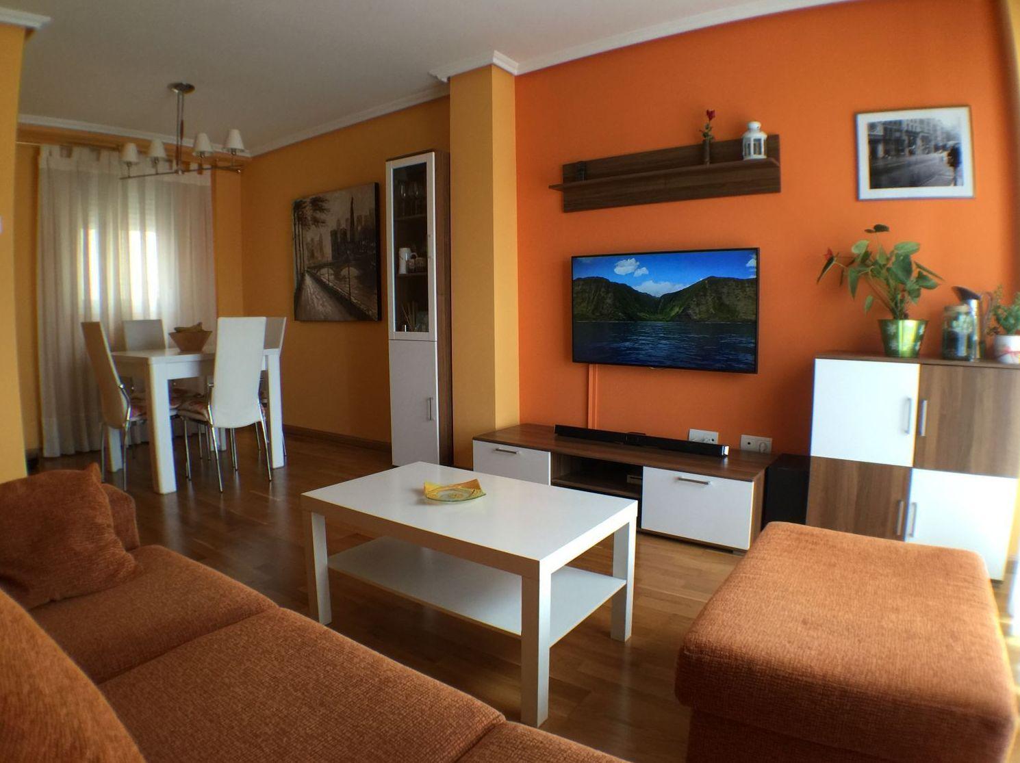 calle Tomas Bretón nº 10 2 dormitorios amueblado, con garaje incluido