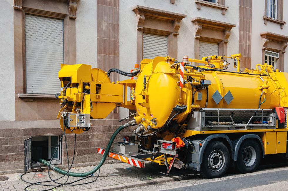 Mantenimiento y limpieza de bajantes de edificios en Zaragoza