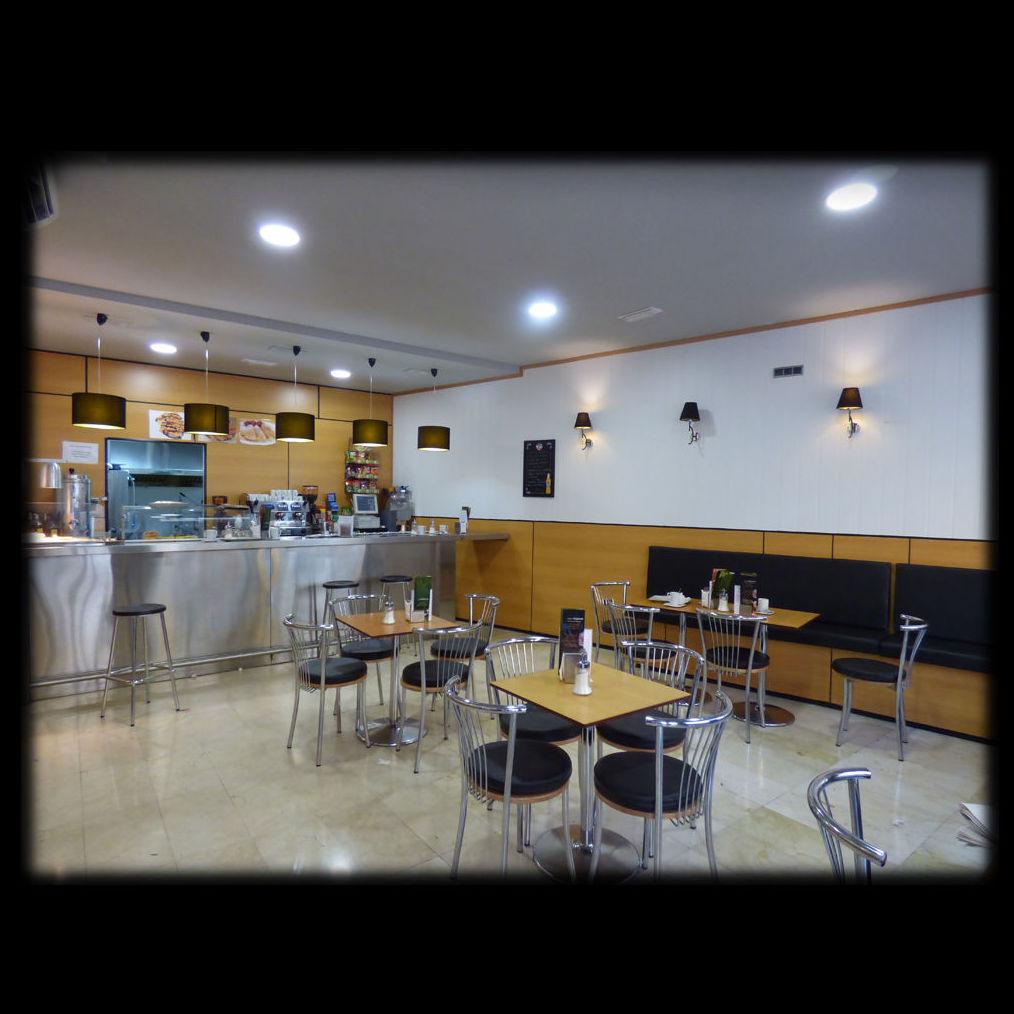 """Cafetería """"La Hormiga II"""", Ávila: Servicios y trabajo realizado de José Díaz, Arquitectos"""