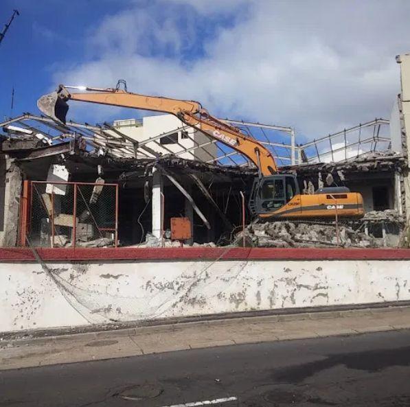 Trabajos de demolición en Tenerife