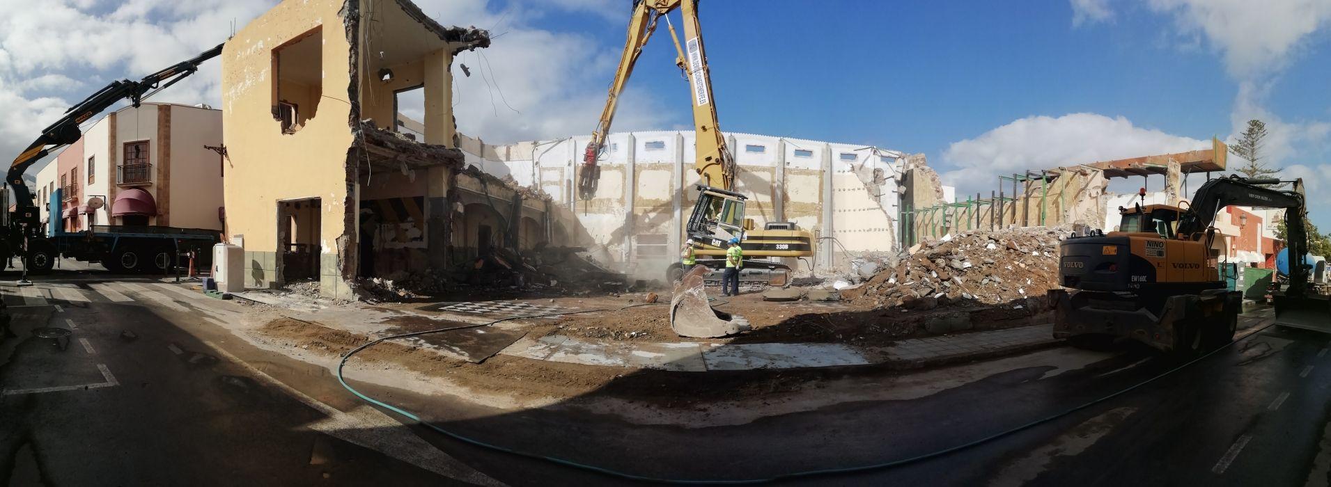 Demolición de edificios en Tenerife