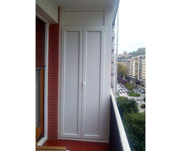 Armario de PVC en balcón