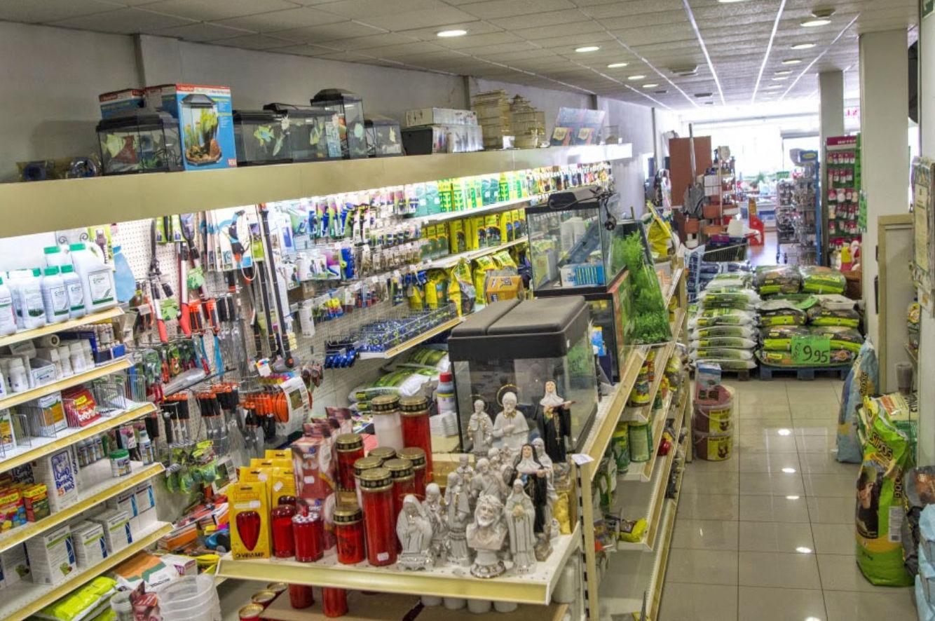 Interior de los almacenes Eladio