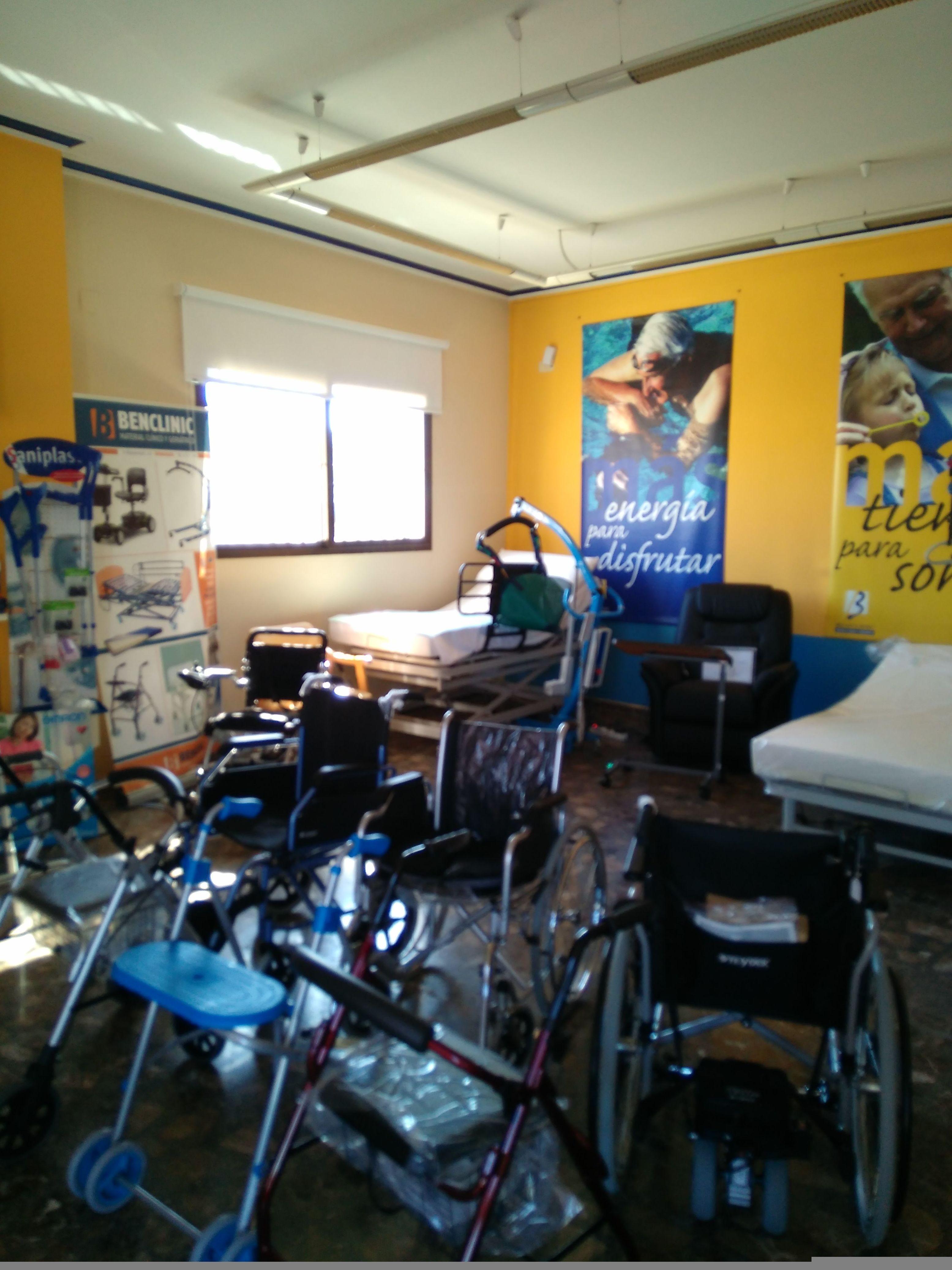 Andadores y sillas para personas con problemas de movilidad