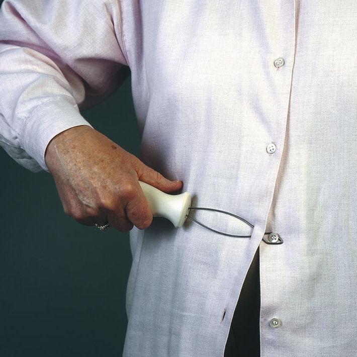 abrocha-botones con mango ergonómico