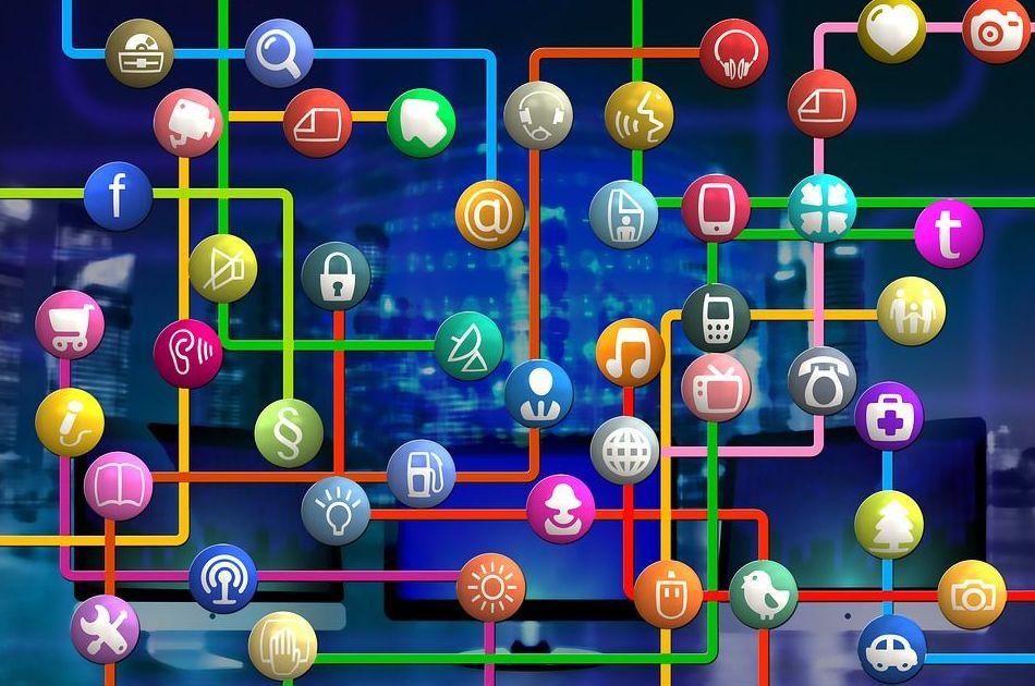 Síguenos en las redes sociales y en nuestro blog