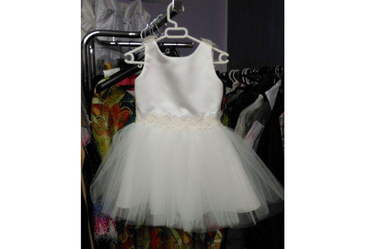 Vestido blanco con falda de tul