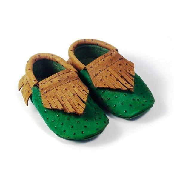 Zapatos color verde primeros pasos: Tienda online de Artesanía Martín