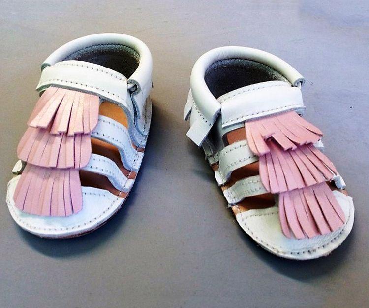 Sandalias color rosa y blanco