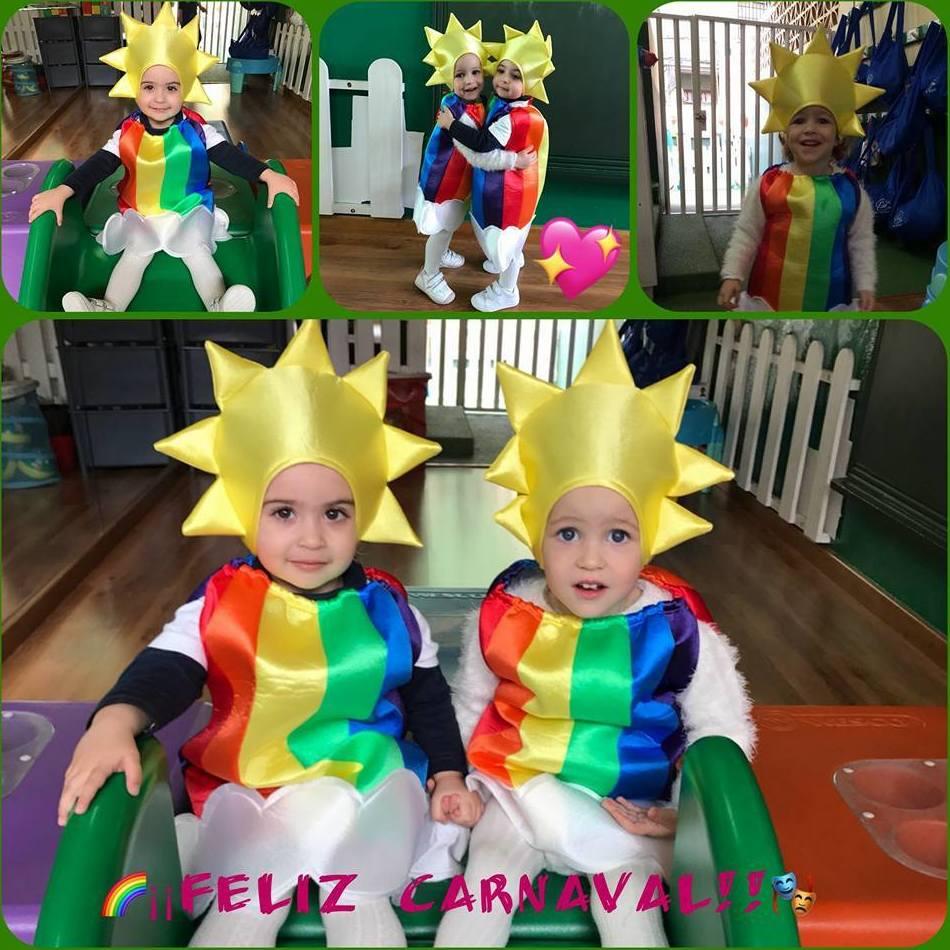 Nos disfrazamos de arcoiris en la Escuela con sol y nubes!