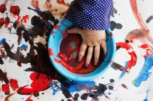 Como curiosidad: ¿Cuándo empiezan los bebés a ver los colores?