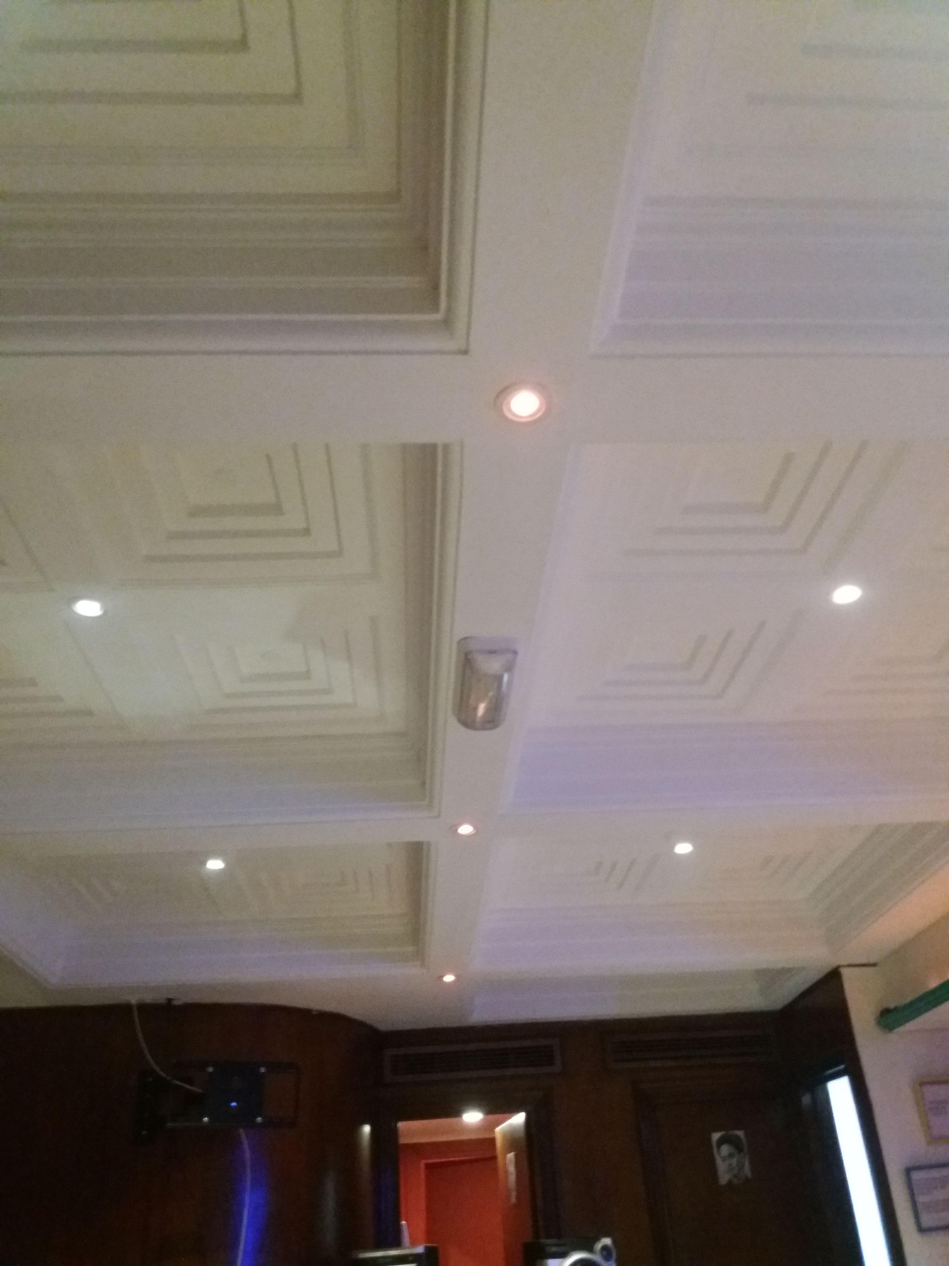 Instalaciones eléctricas en falso techo en Roquetas de Mar
