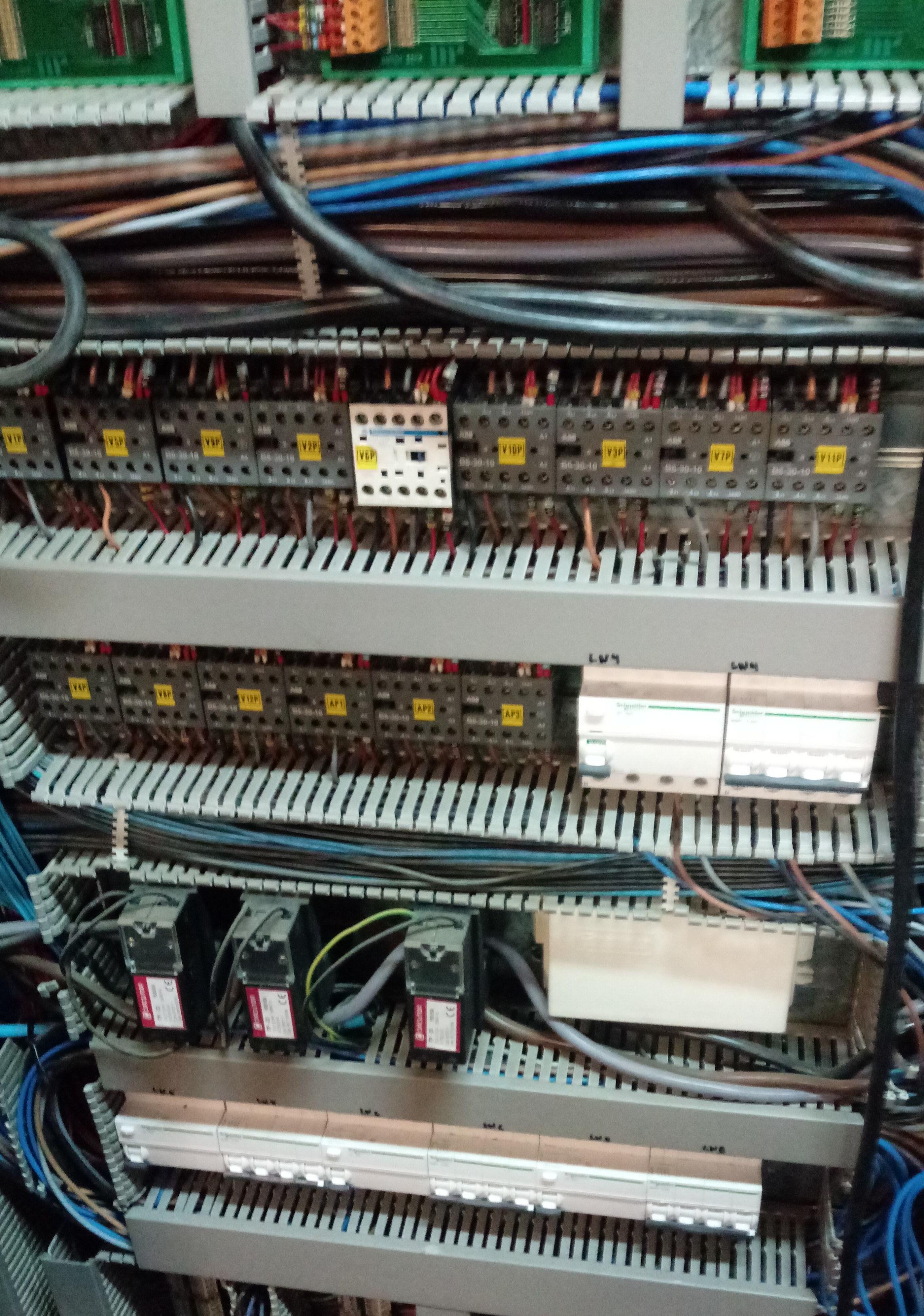 Foto 6 de Reparaciones eléctricas en Roquetas de Mar | Instalación y mantenimiento José A. Muñoz