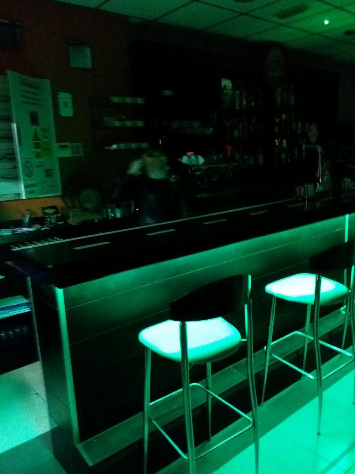 Trabajos de iluminación en locales comerciales