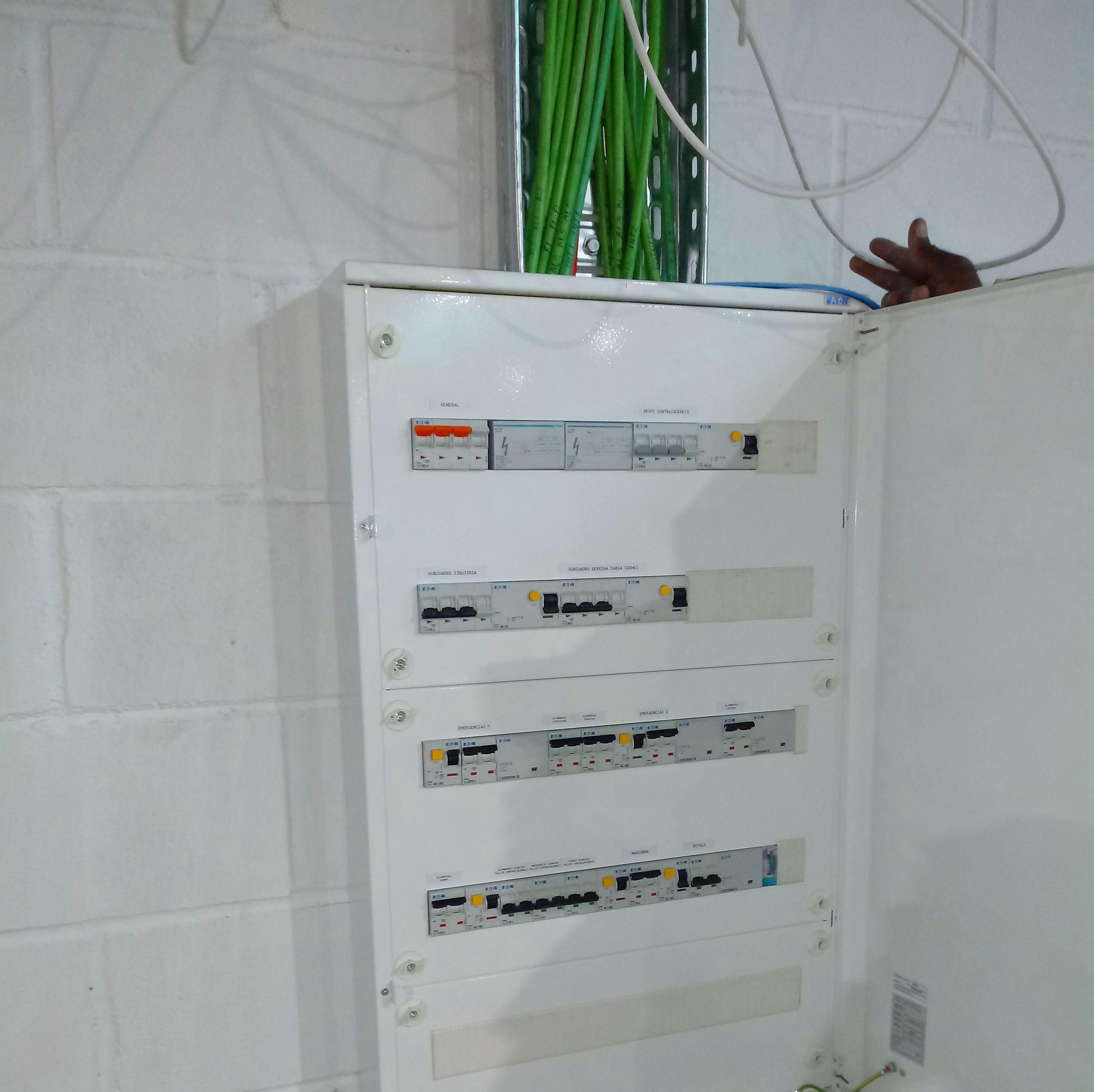 Foto 7 de Reparaciones eléctricas en Roquetas de Mar | Instalación y mantenimiento José A. Muñoz