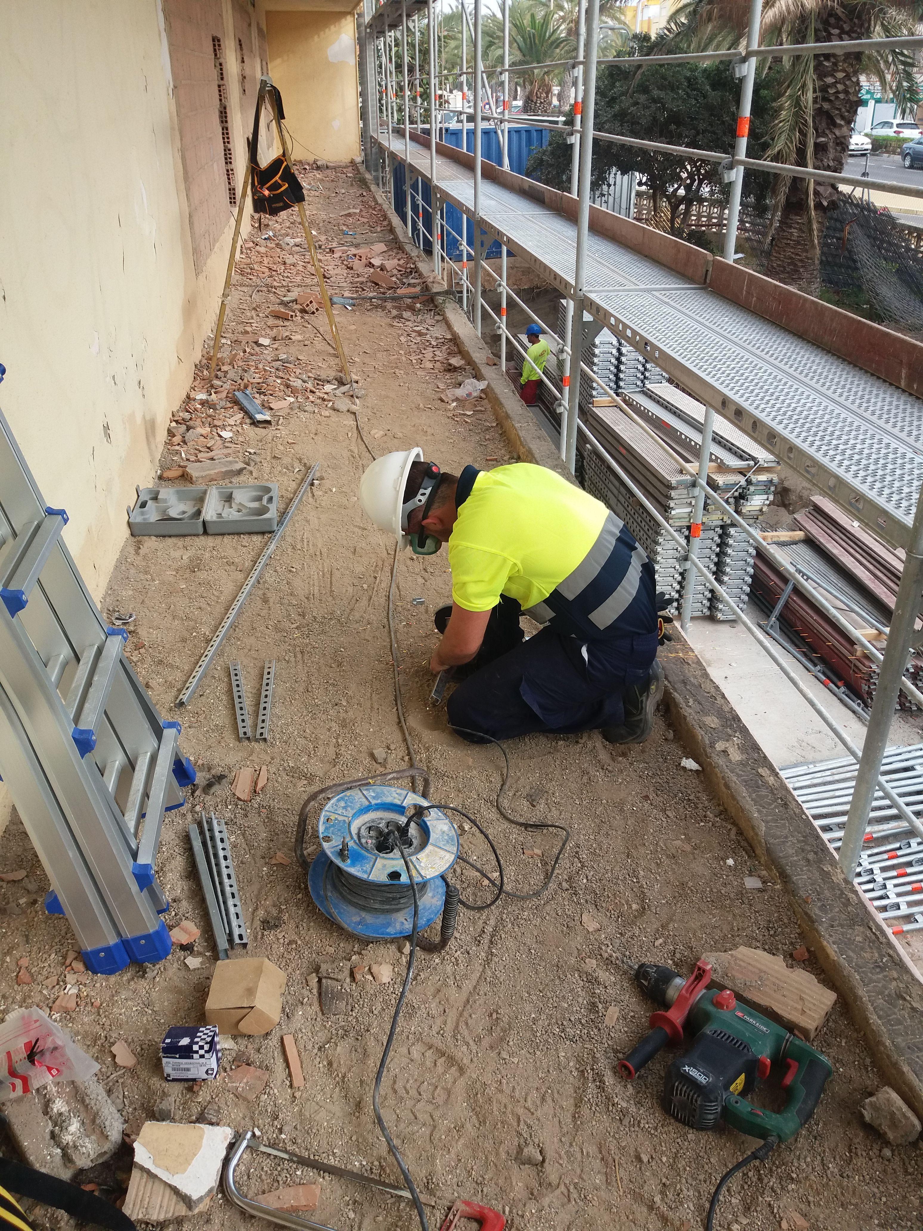 Reparaciones eléctricas en Roquetas de Mar