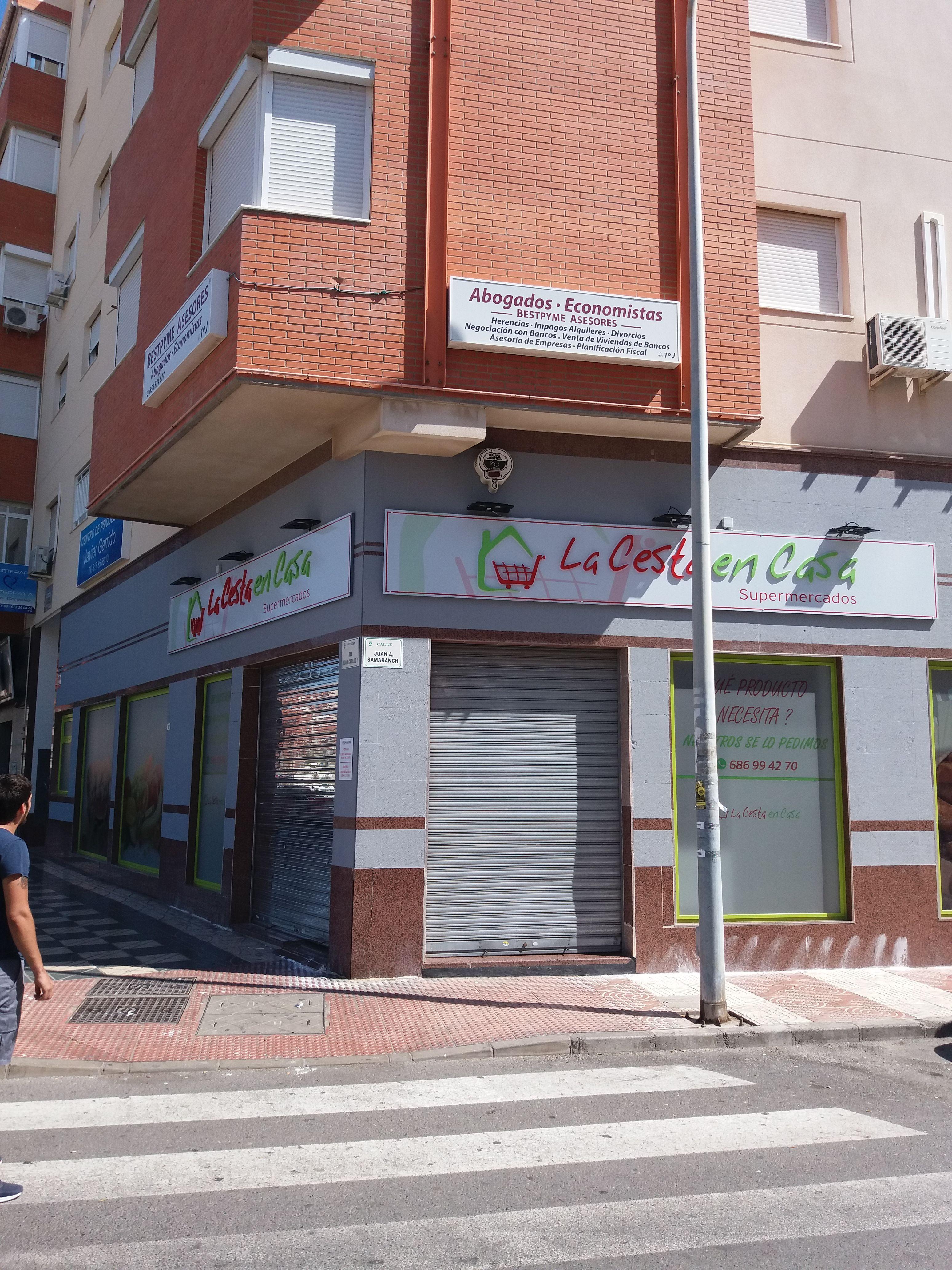 Instalaciones eléctricas en locales en Roquetas de Mar