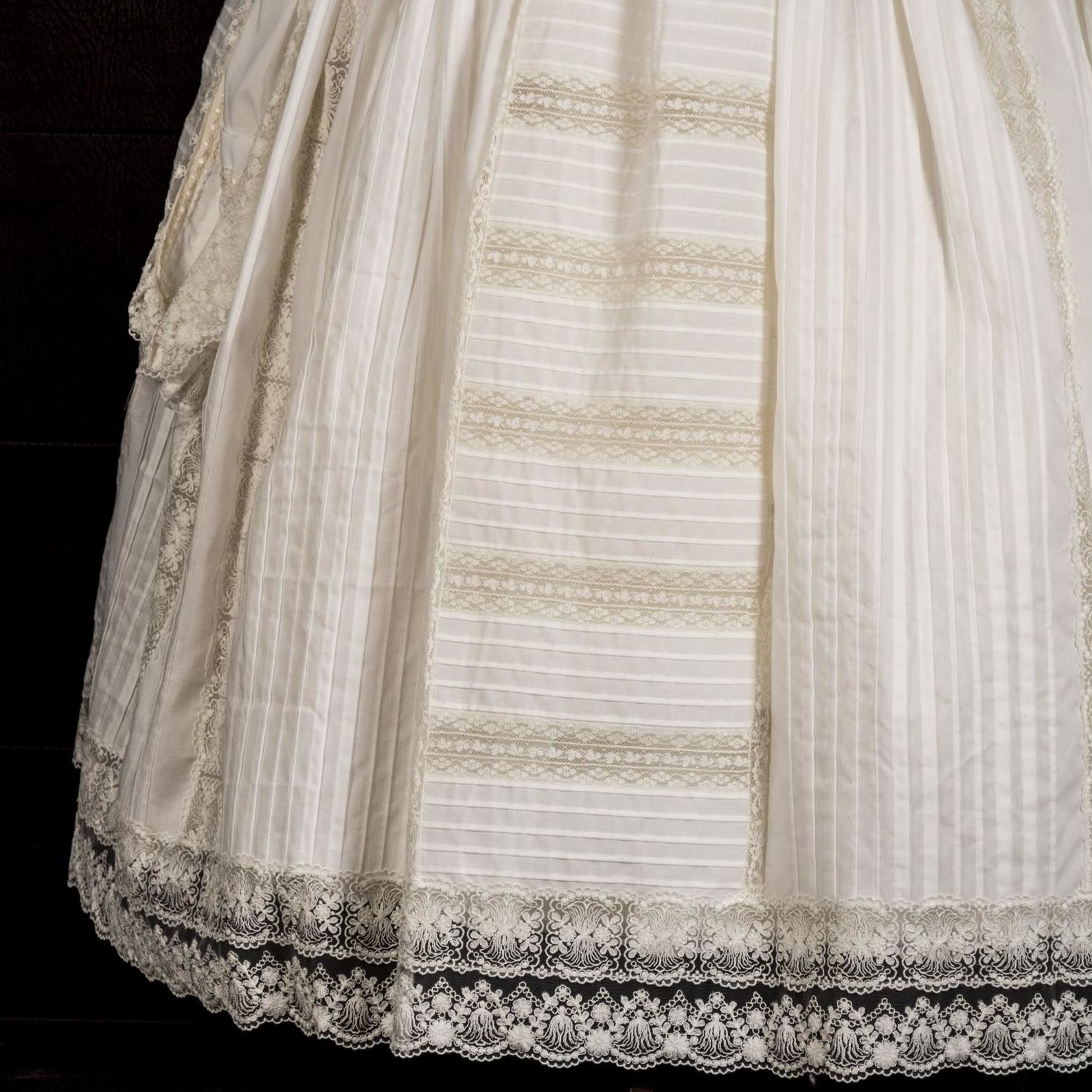 Foto 6 de Taller textil especializado en la elaboración de indumentaria valenciana en Tavernes de la Valldigna | La Llar del Fil