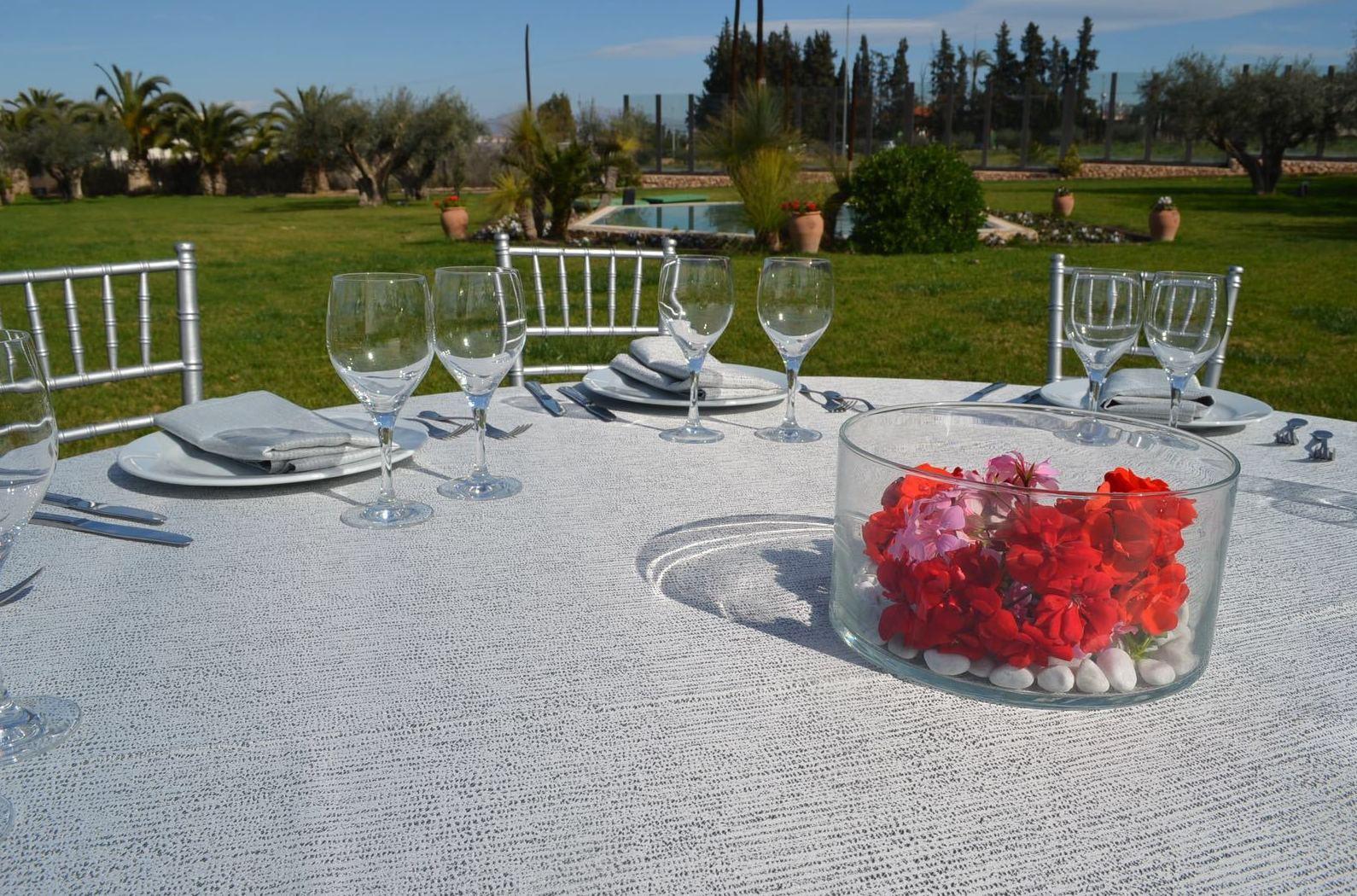 Alquiler de material, decoración de espacios para celebraciones  en Murcia