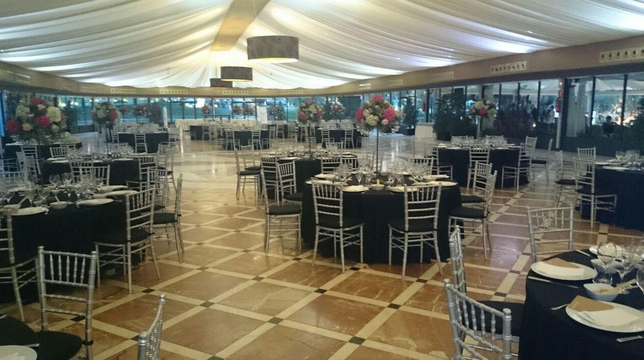 Alquiler de sillas y mesas para bodas en Murcia
