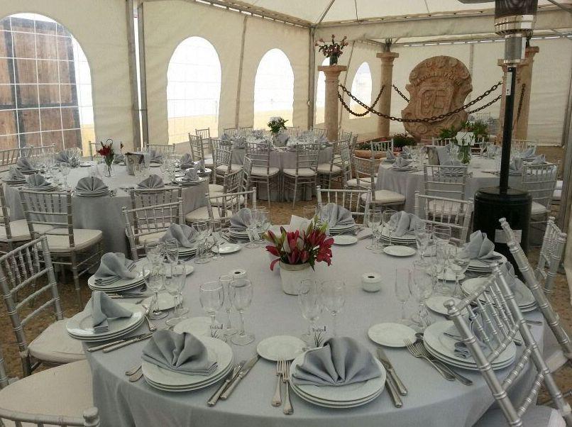 Alquiler de mobiliario para cátering, fiestas y eventos en general en Murcia