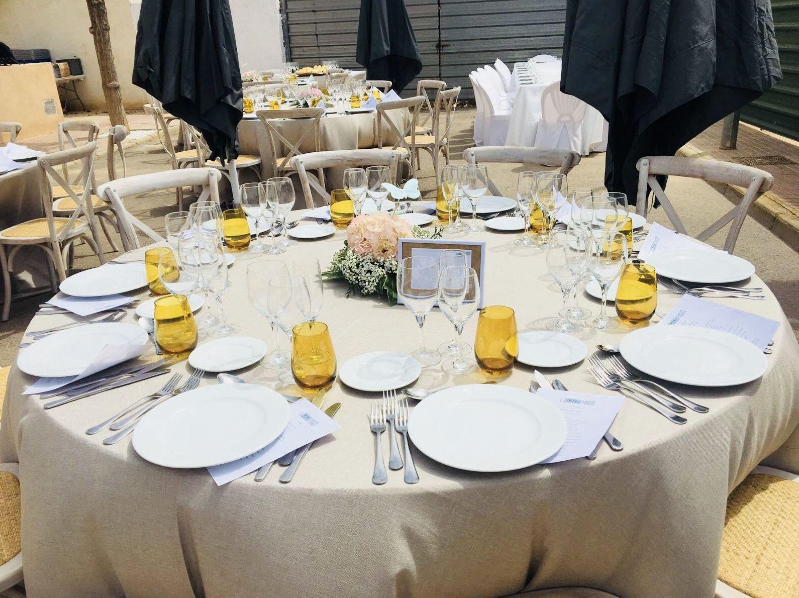 Foto 7 de Alquiler de sillas, mesas y menaje en El Palmar | Mantelería & Menaje