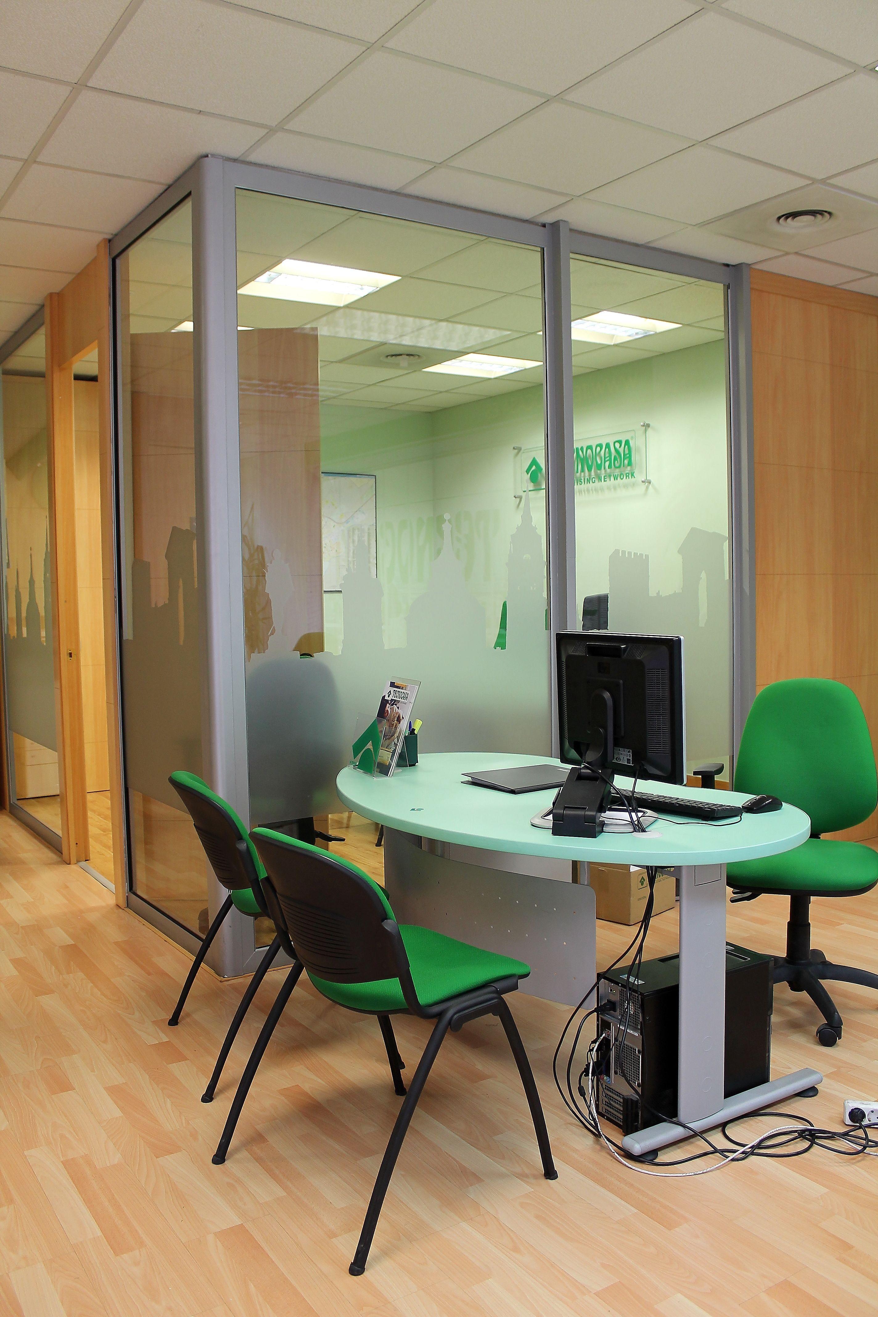 Interior de las oficinas de nuestra inmobiliaria en Alcalá de Henares