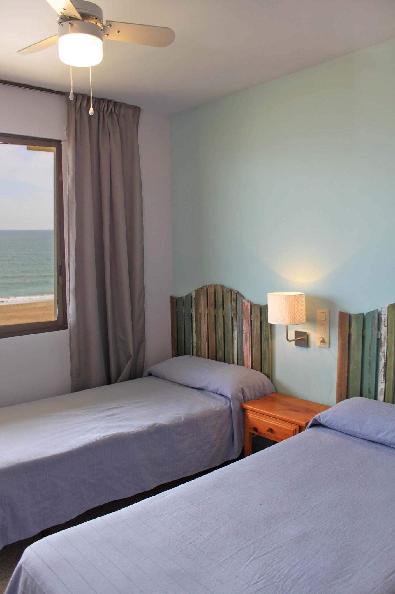 Habitaciones modernas con vistas al mar