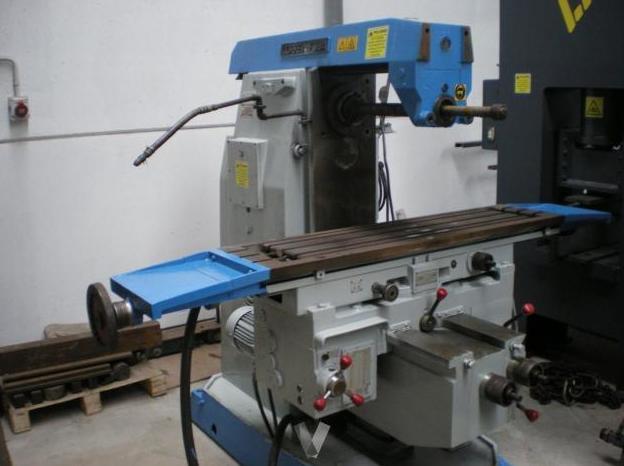 Fresadora Correa F3UA Azul: Servicios Que Prestamos de Talleres Mecánicos Lázaro Pedro,  S. L.