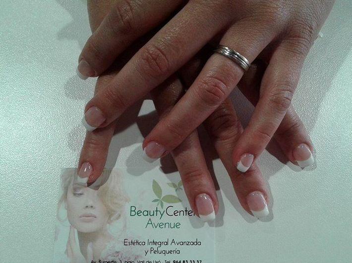 Manicura: Peluquería y estética de Beauty Center Avenue