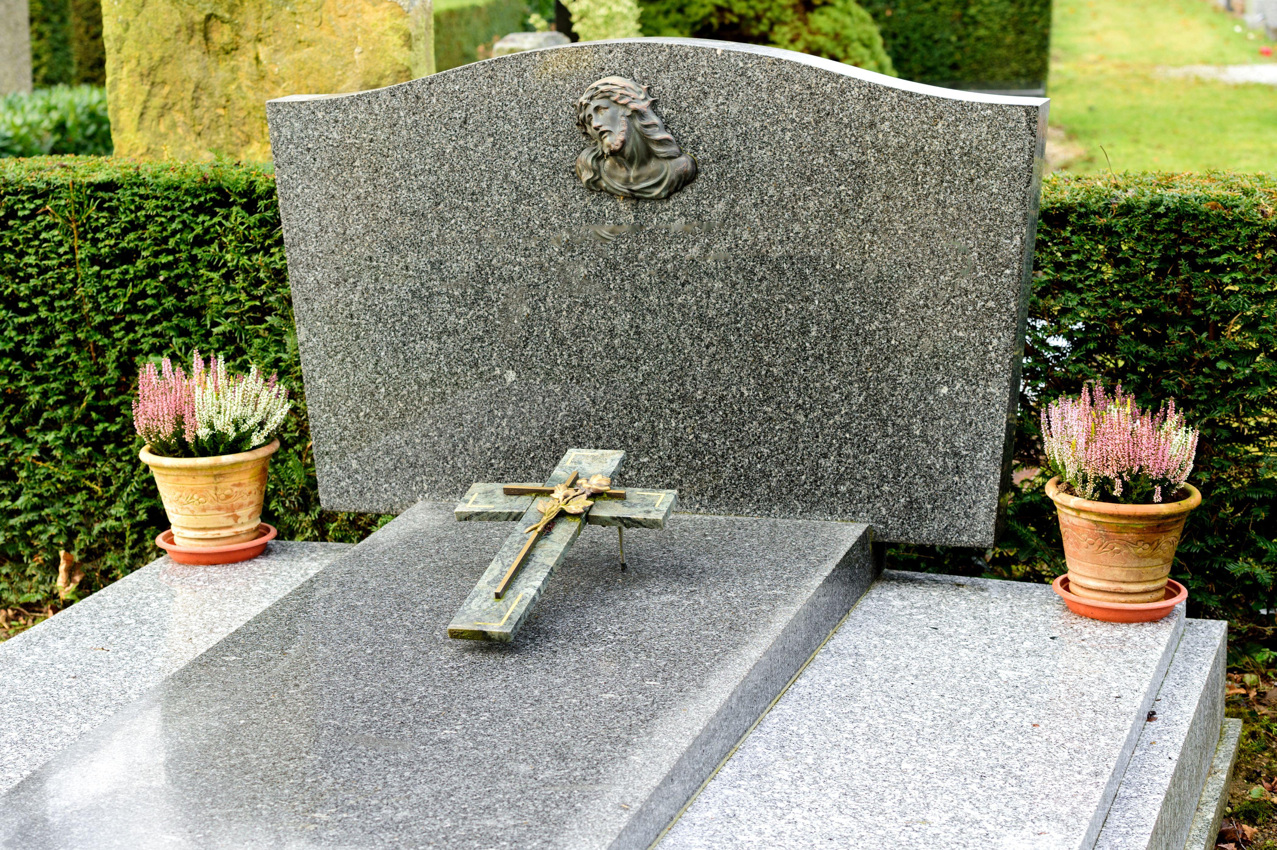 Especialistas en arte funerario