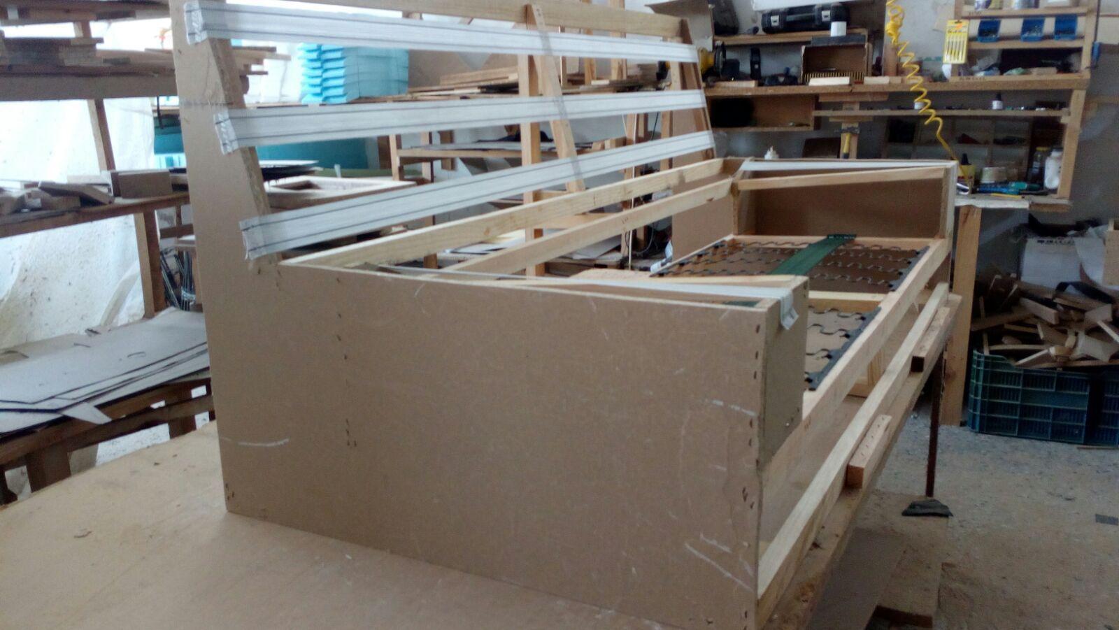 Estructura de madera para sofás