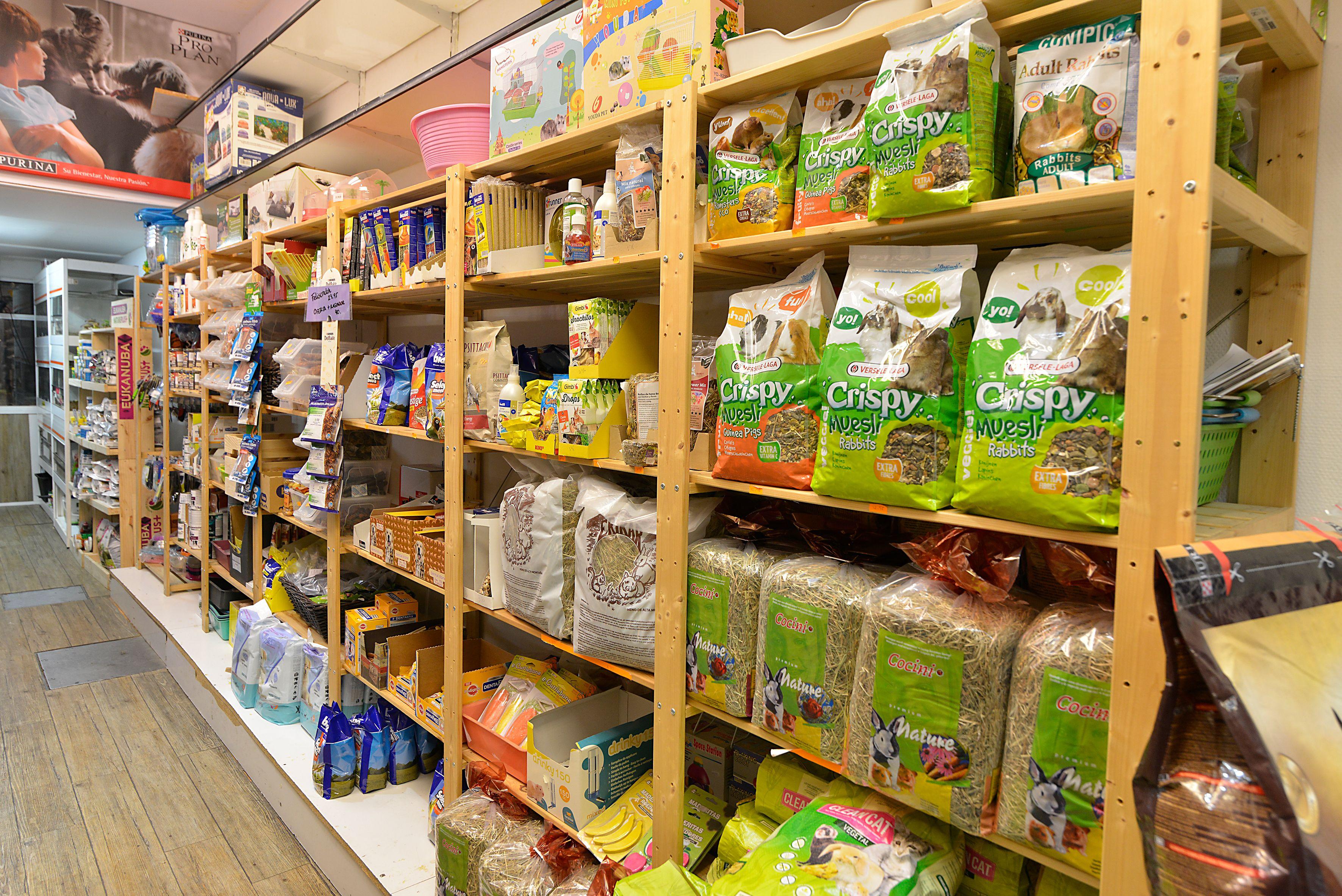 Foto 5 de Tiendas de animales en Bilbao | Centro Veterinario Mazarredo