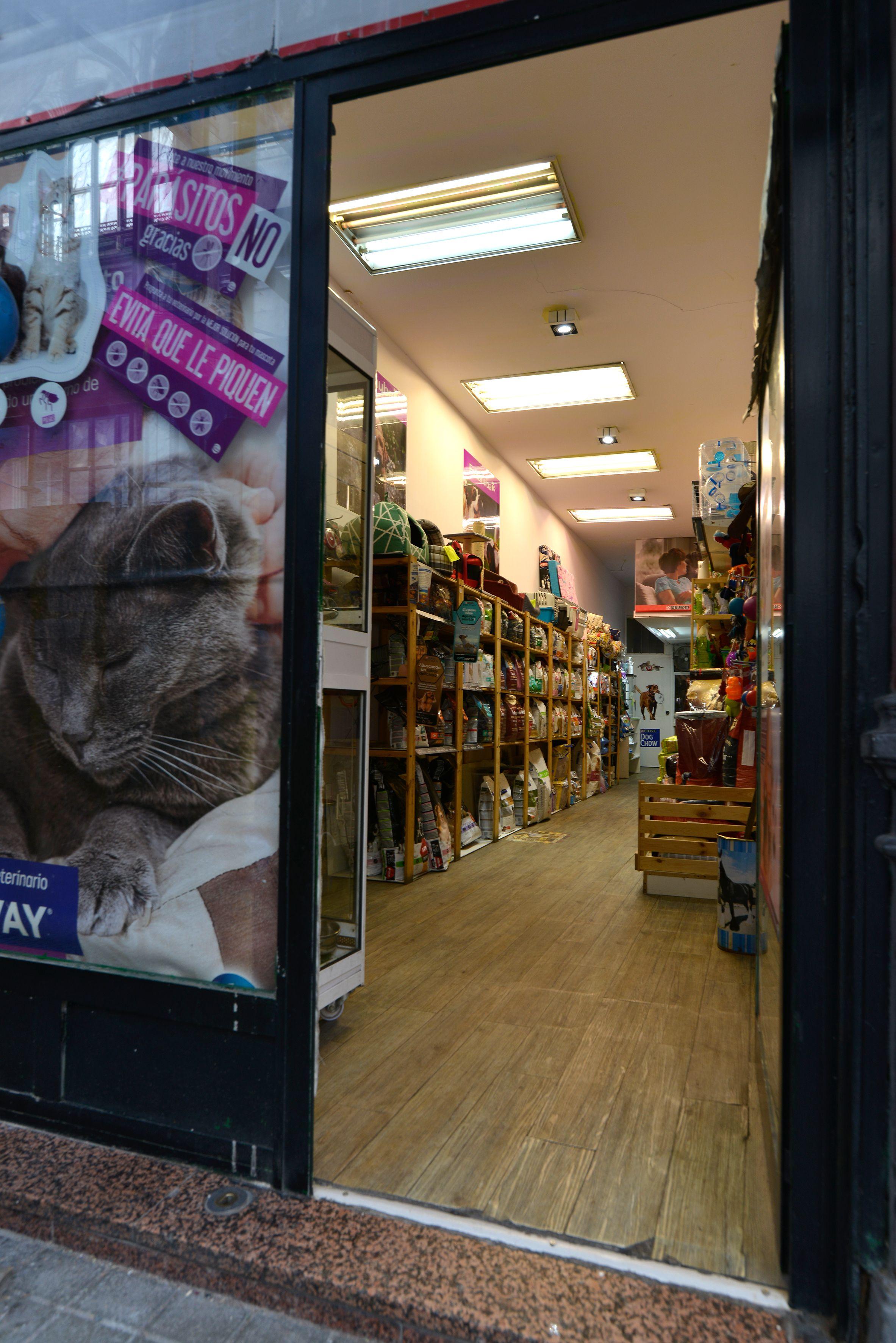 Foto 10 de Tiendas de animales en Bilbao | Centro Veterinario Mazarredo