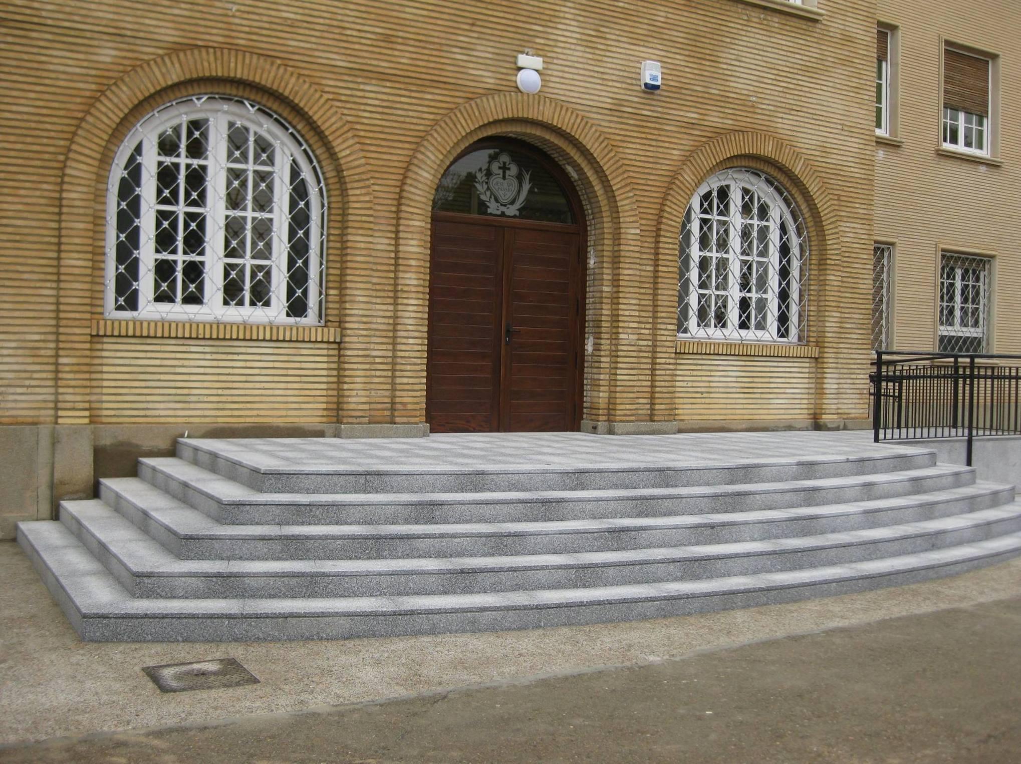Escaleras exteriores antideslizantes