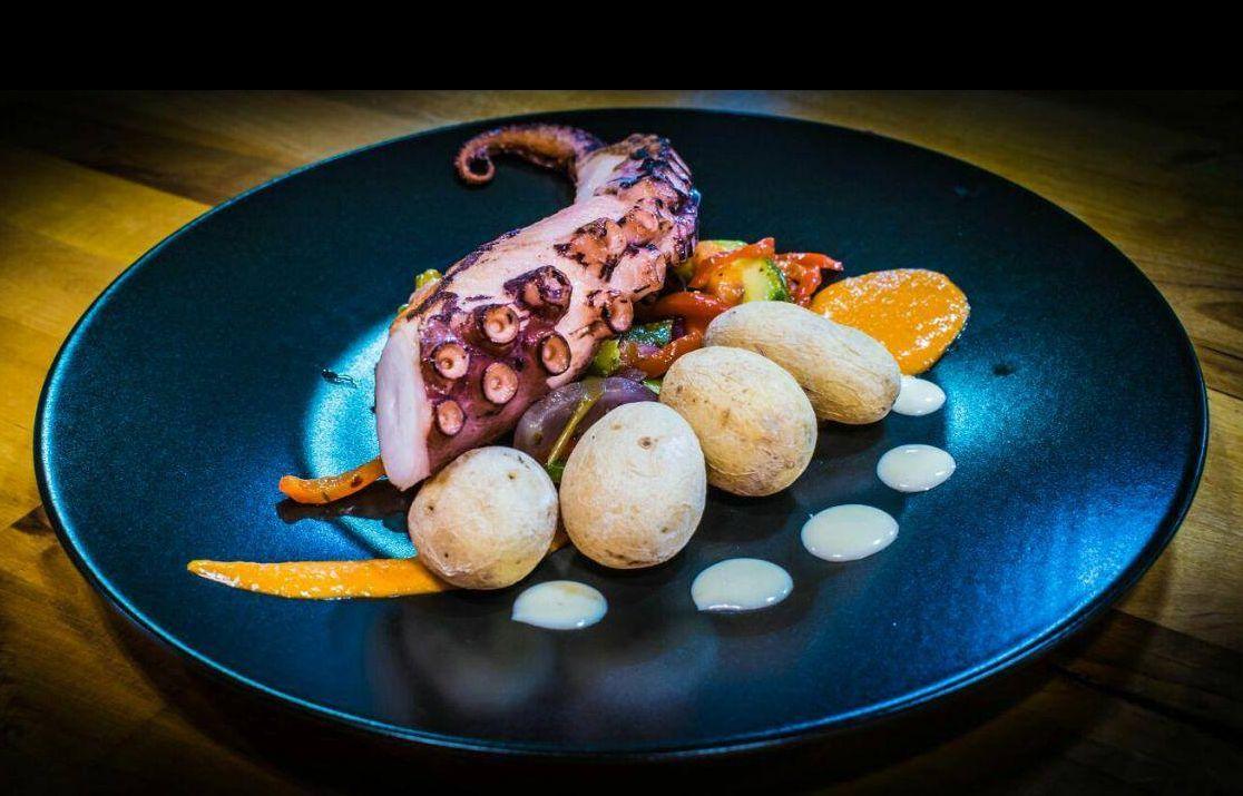Restaurante con espectáculo en Guía de Isora, Tenerife