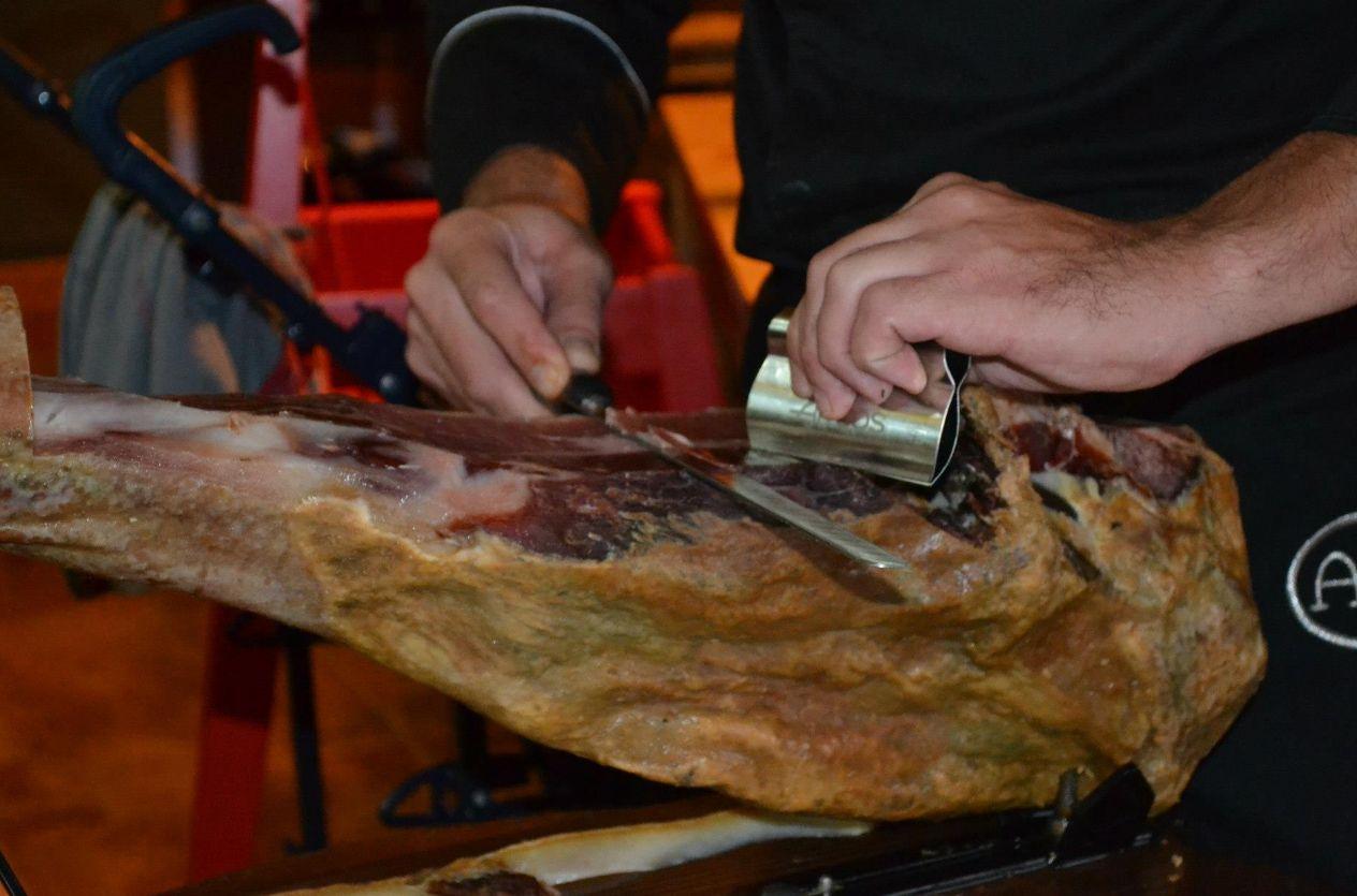 Restaurante de tapas de jamón ibérico 100% en Guía de Isora, Tenerife