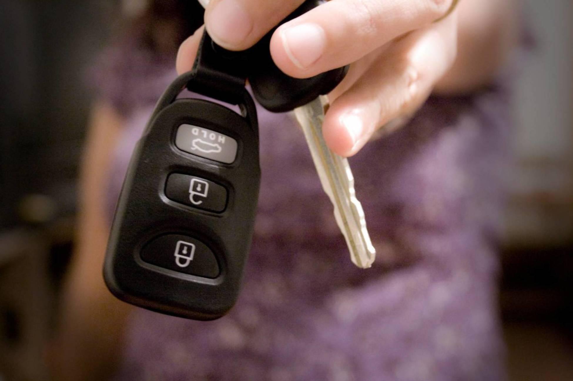 llaves y mandos coches
