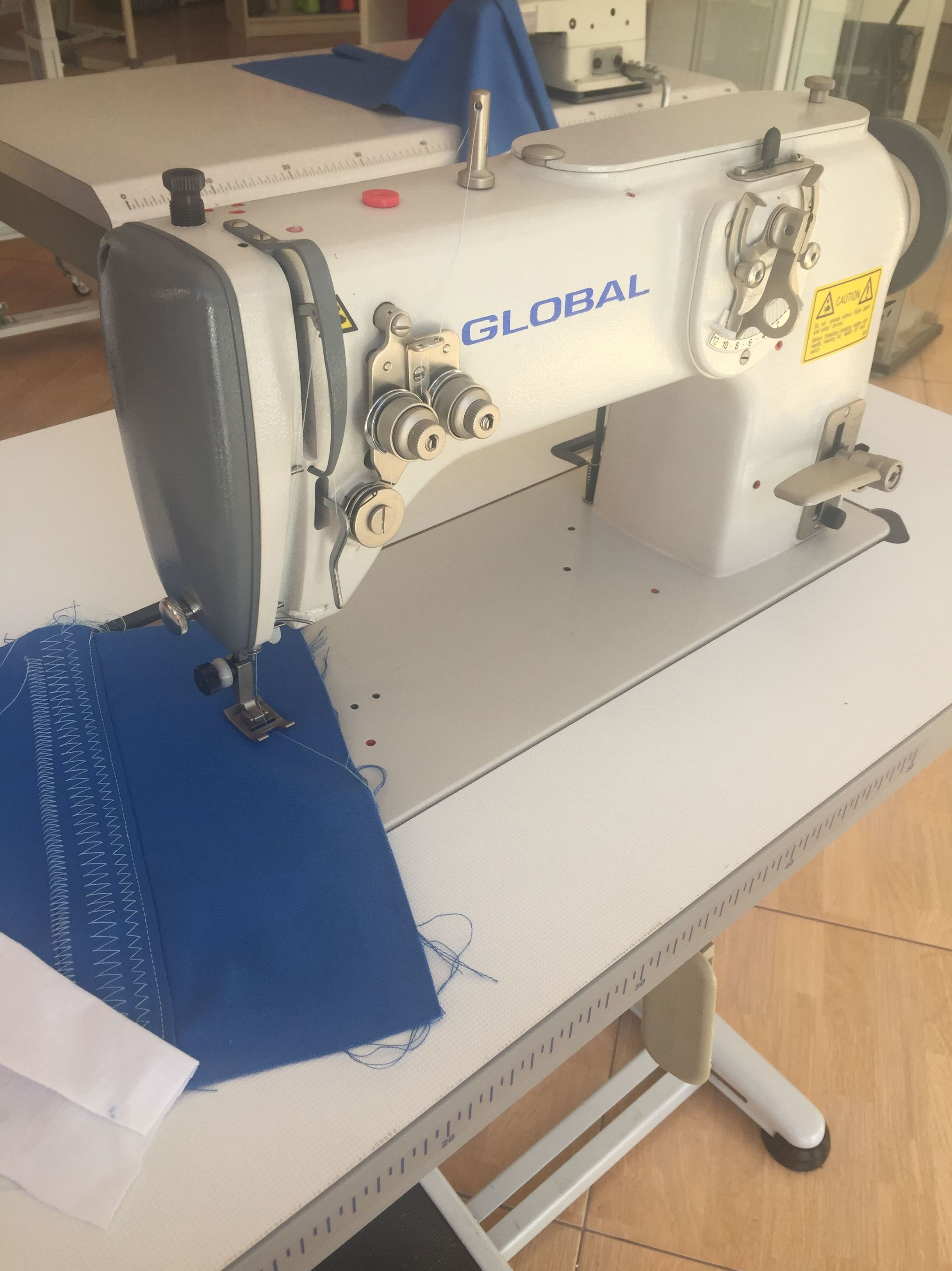 maquina industrial de zig zag global zz 217