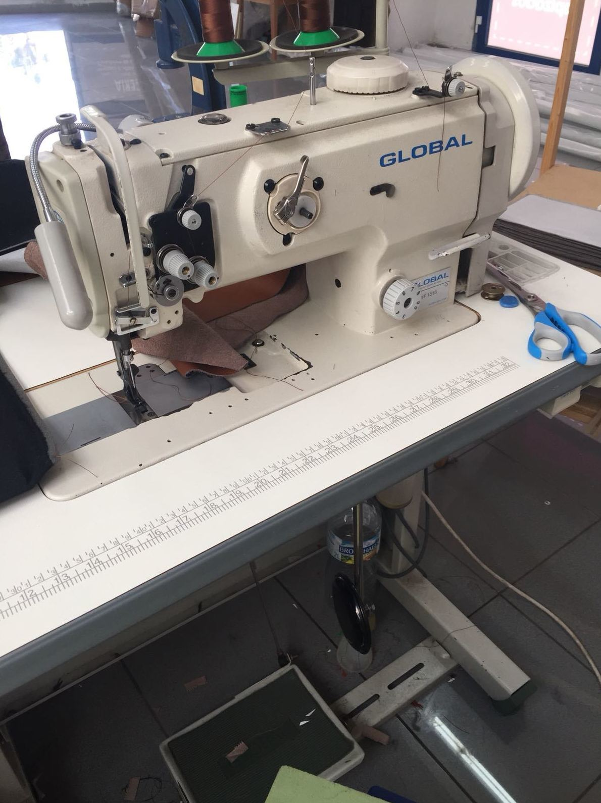 Máquinas de coser triple arrastre