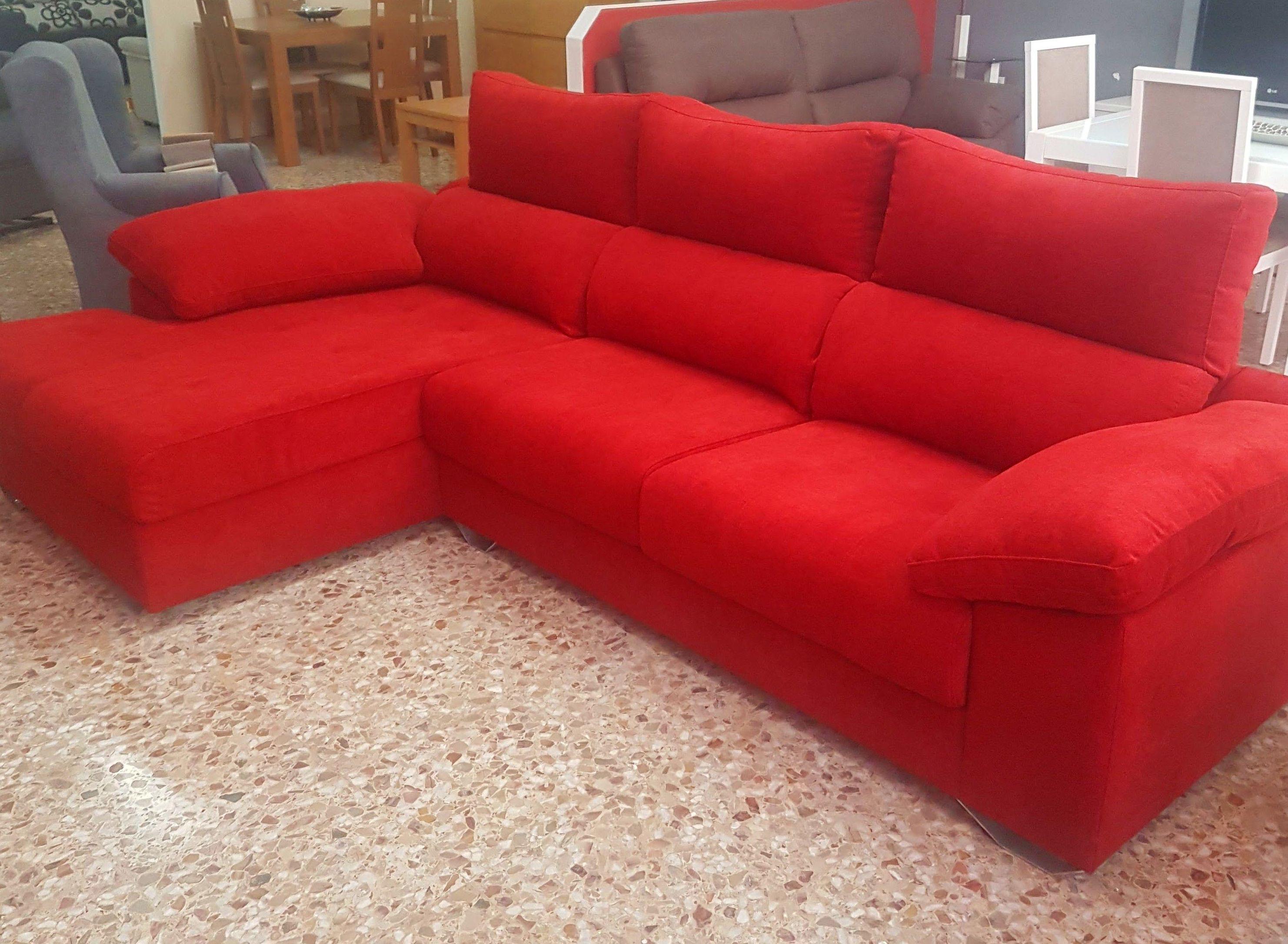 chaiselongue roja : Productos  de Muebles Llueca, S. L.
