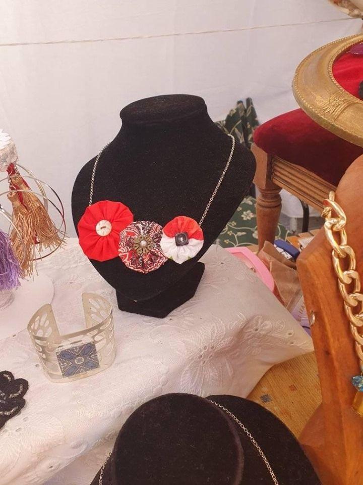 Collares de flamenca en Olivares