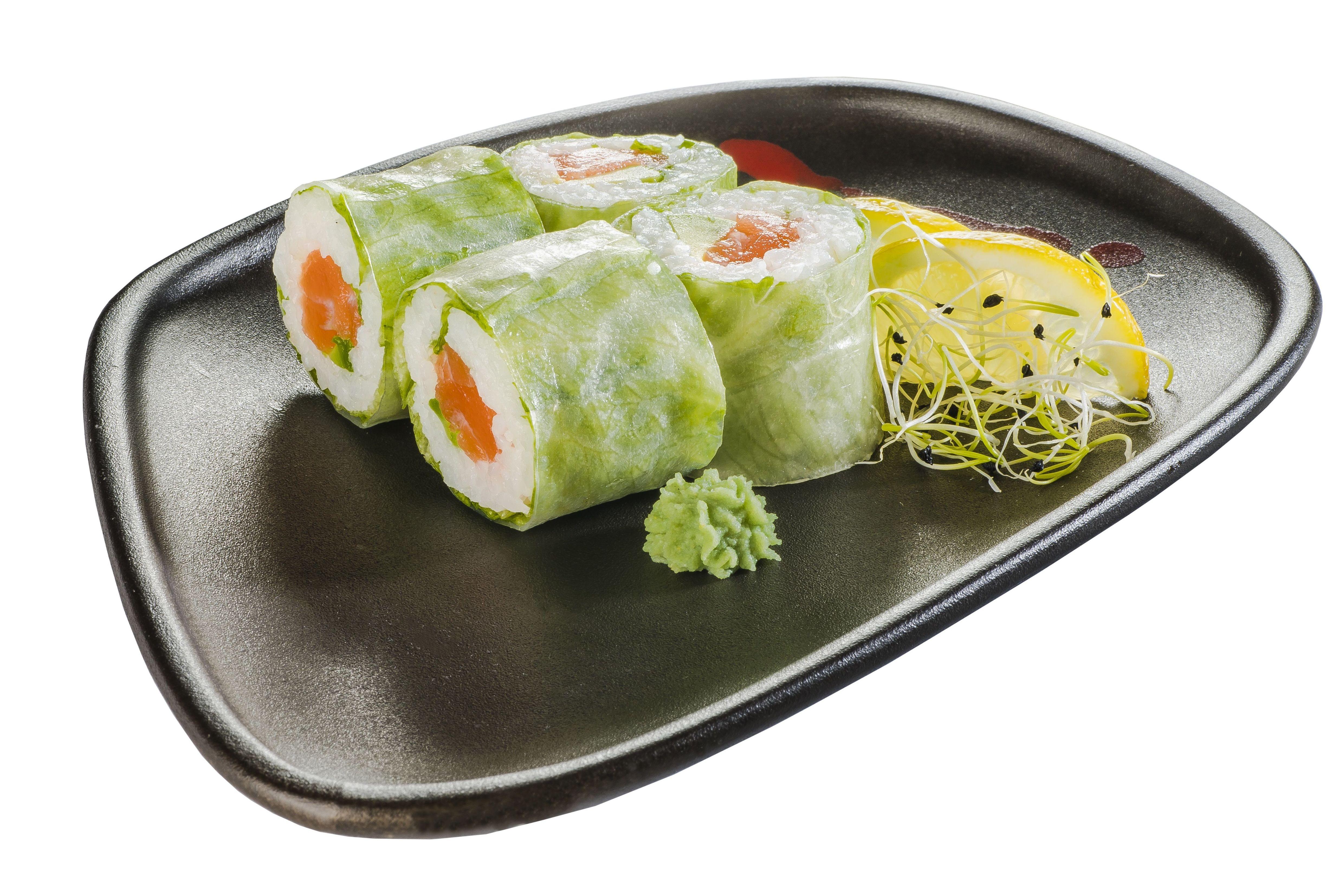 Cristal roll de salmón y aguacate (8u.)  6,50€: Carta de Restaurante Sowu